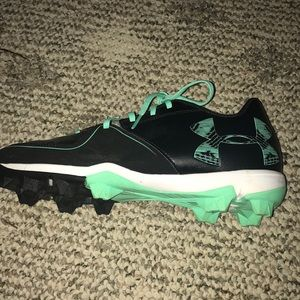 new , under armor cleats🥎